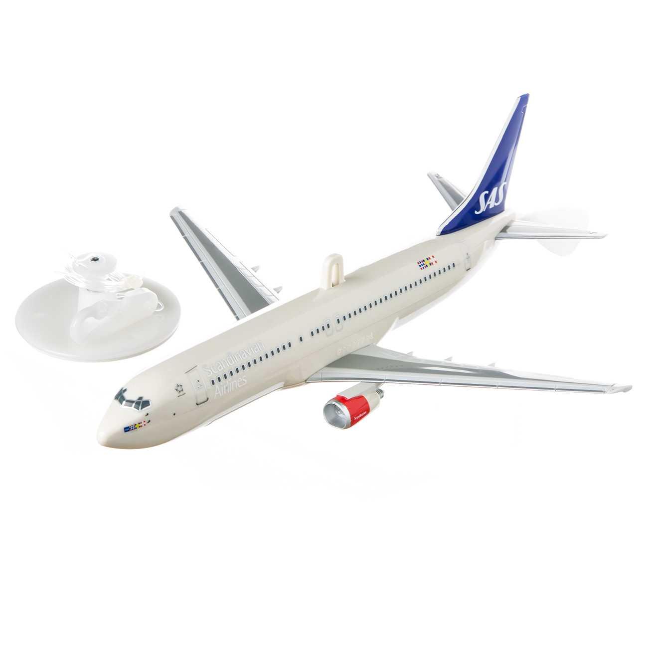 SCANDINAVIAN AIRLINES FLYING PLANE