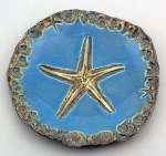 Dirty Dog Pottery: Plate - Medium Blue Starfish