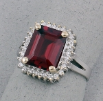 Michael Chang - Rhodolite Garnet & Diamond Ring MC-15201-44