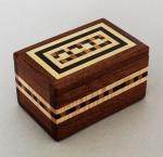 Natural Renaissance: NR15 Magnetic Box - Mahogany and Assorted Woods