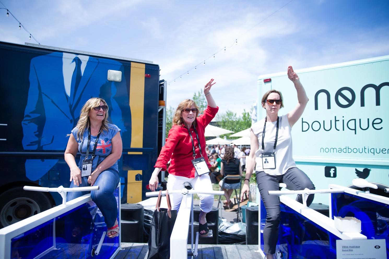 Participantes au marché pop-up