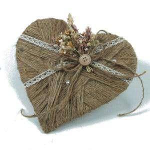 Cestas y Cojines - Porta alianzas corazon flores silvestres ARTESANAL