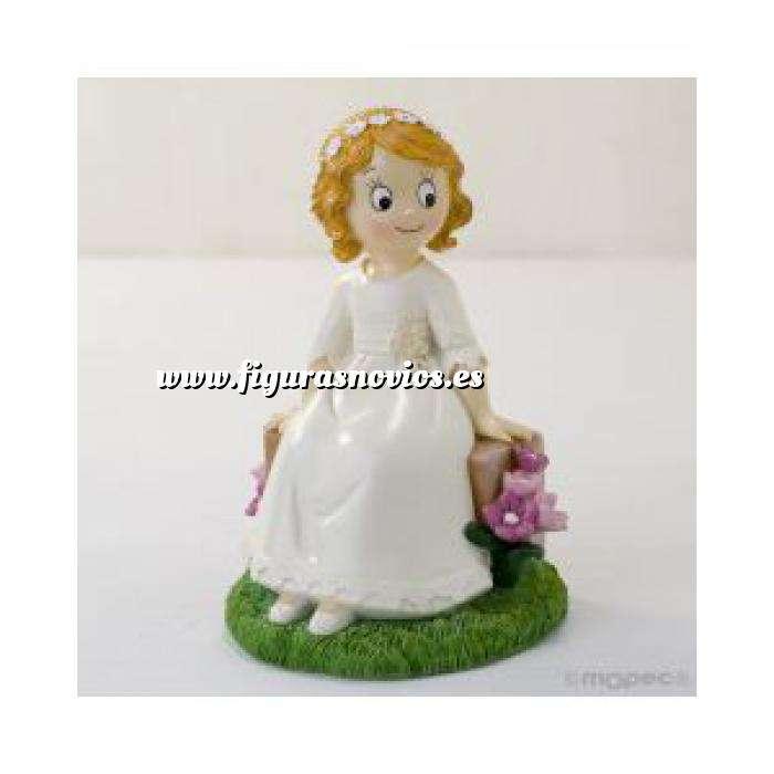 Imagen Figuras de Comunión Figura Pastel comunion niña sentada en un banco