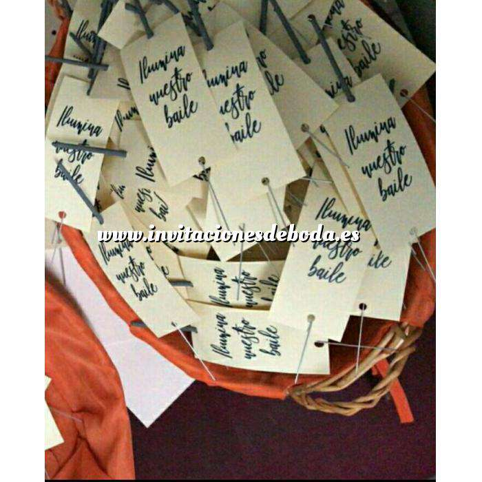 Imagen Detalles para la ceremonia Pack 30 Bengalas Pequeñas con mensaje (sin manipulado)