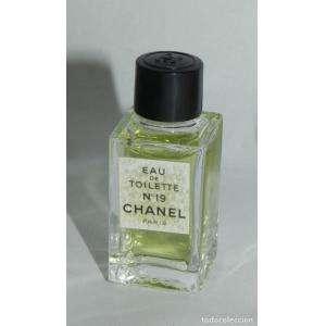 COLECCIONISTA Sin Caja - Chanel Nº19 Eau de Parum by Chanel Paris SIN CAJA (Últimas Unidades)