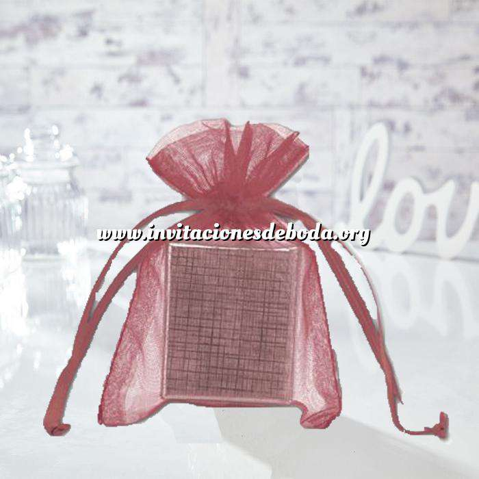 Imagen Tamaño 11x16 cms. Bolsa de organza Burdeos 11x16 capacidad 11x14 cms.