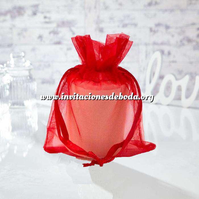 Imagen Tamaño 13.5x19 cms. Bolsa de organza Roja 13.5x19 capacidad 13x17 cms.