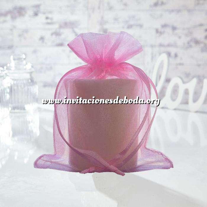 Imagen Tamaño 13.5x19 cms. Bolsa de organza Rosa 13.5x19 capacidad 13x17 cms.