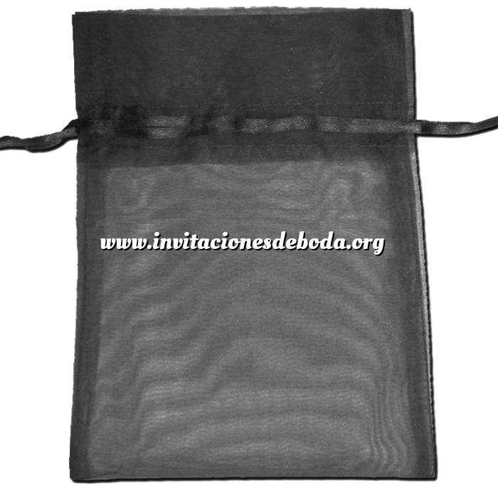 Imagen Tamaño 22x32 cms. Bolsa de organza Negra 22x32 capacidad 21x30 cms.