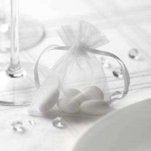 Tamaño 07x09 cms - Bolsa de organza Blanca 7x9 - capacidad 7x7.5 cms.