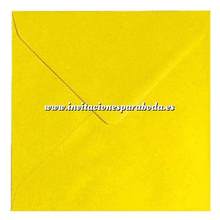 Imagen Sobres Cuadrados Sobre Amarillo Oscuro Cuadrado