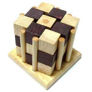 De madera - Cubos encarcelados