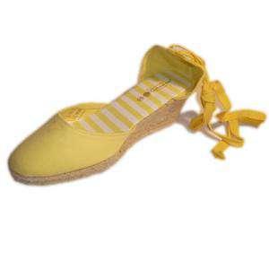 Tallas 35-39 - Valenciana tacón Cerrada Amarilla suela rayas Talla 36 (PDE) Y104607 (Últimas Unidades)