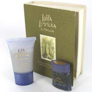 EDICIONES ESPECIALES - Lolita Lempicka Au Masculin Eau de Toilette 5ml. más Gel Douche 20ml. (EDICIÓN ESPECIAL - Travel Book) (Últimas Unidades)