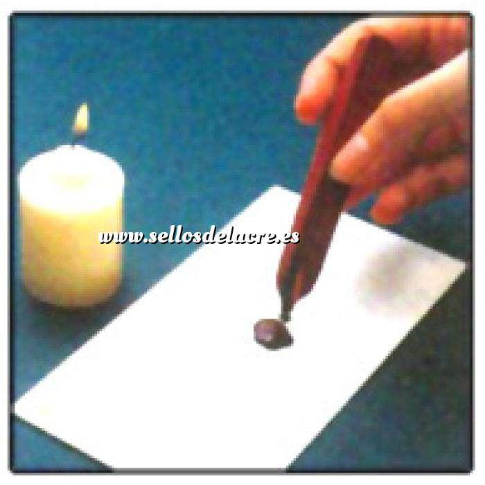 Técnicas e Instrucciones 02 - verter 5 gotas sobre el sobre a lacrar