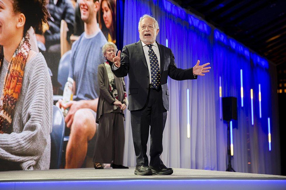 Photo of Robert Reich onstage