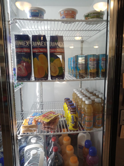 cold food, fresh food, milk, hotdogs, large drinks, variety of cold products