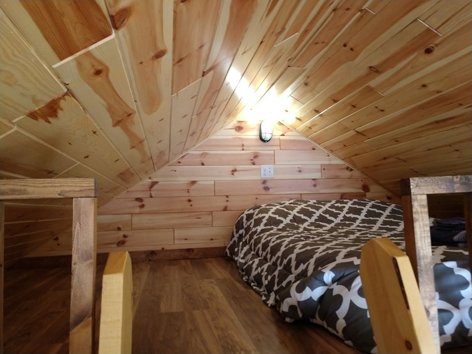 Family Cabin with Loft bedroom