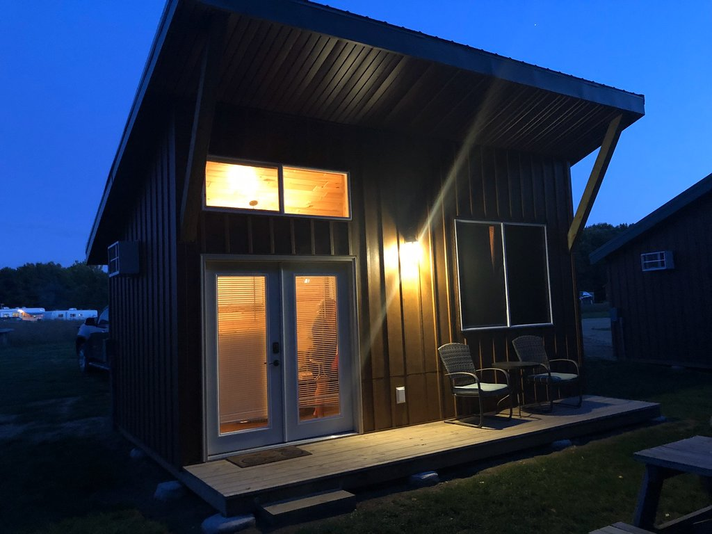 couples-cabin-guest-night-lights-on