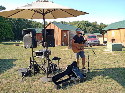 Kenny Flowers live local musician