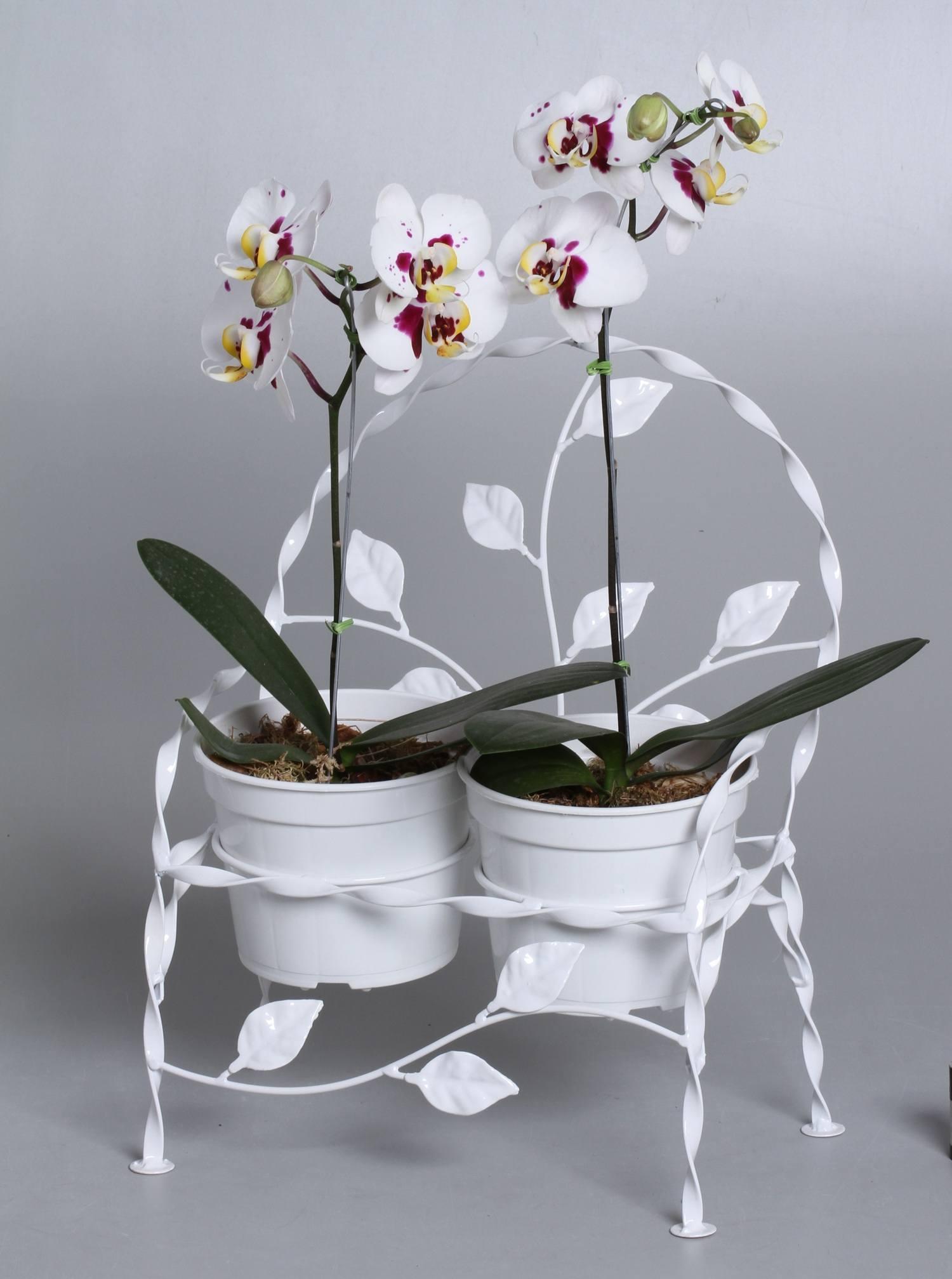 2 suportes cachepots cadeirinha folhas branco (não inclui cachepots)