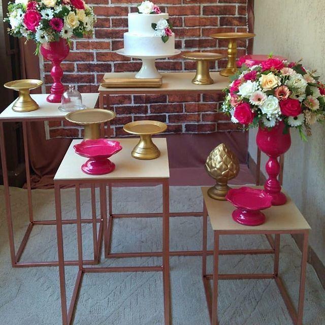 Jogo de Mesas Cubo para Festa em MDF e Ferro 4 Peças - Disponível nas Cores Rose Gold, Preto, Dourado e Branco