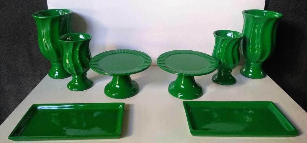 Kit Cerâmica para Festas Verde 8 Peças c/ Taças Boleiras e Travessas - Eventos e Decoradores