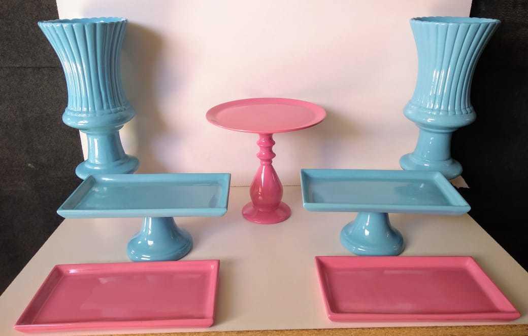 Kit Cerâmica para Festas Azul/Rosa forte 7 Peças c/ Taças Boleiras e Travessas - Eventos e Decoradores