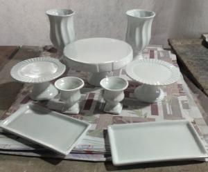 Kit Cerâmica para Festas Branco 9 Peças c/ Taças Boleiras e Travessas - Eventos e Decoradores