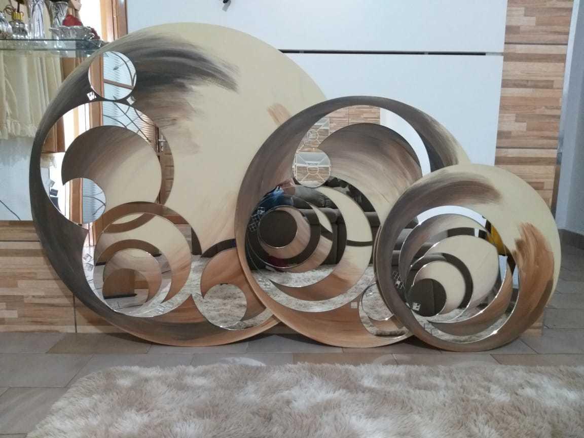 Kit Trio de Quadros Mandalas Decorativas de Parede Modelo Circular Cor Off White e Marrom, 1 Metro, 80 cm e 60 cm de Diâmetro