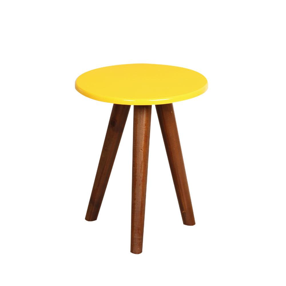 Mesa de Centro Pequena Tripé Redonda Amarela em Madeira Pinus para Decoração