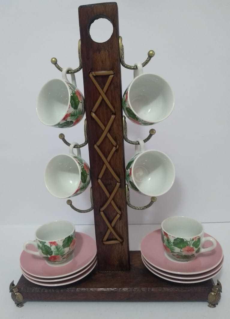Suporte de Madeira com Jogo de 6 Xícaras e 6 píres em porcelana florida