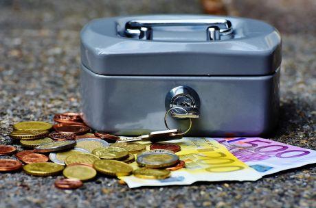 Geldkistje met euro's