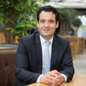 Wethouder Adam Elzakalai