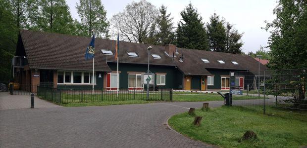 https://oisterwijk.vvd.nl/nieuws/38615/azc-deur-blijft-op-kier-voor-overlastgevers