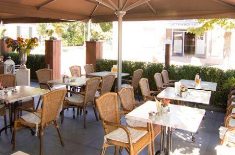 Terras Hotel Cafe Boer Goossens