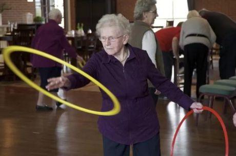 Bejaarde dame sport