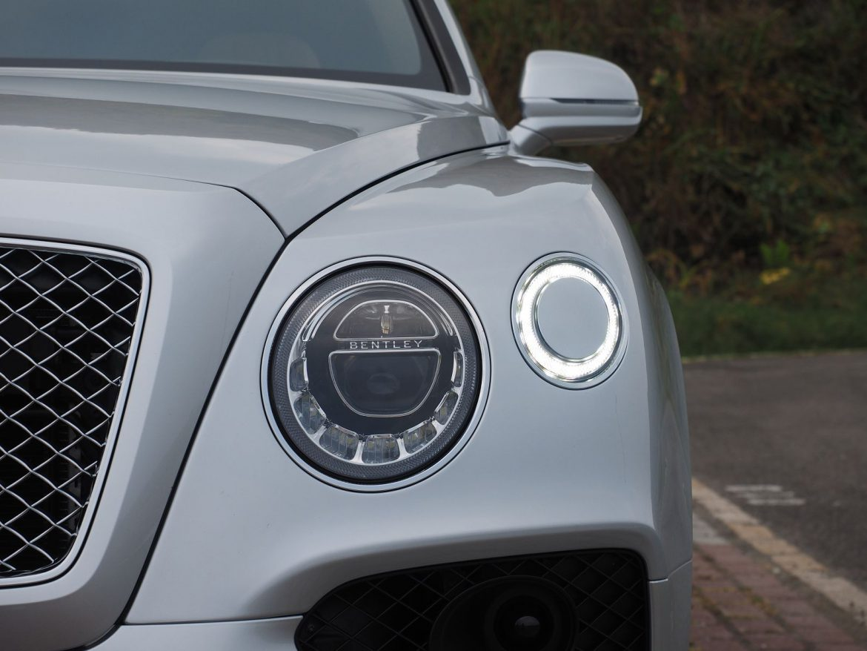 承先啟後 Bentley Bentayga W12