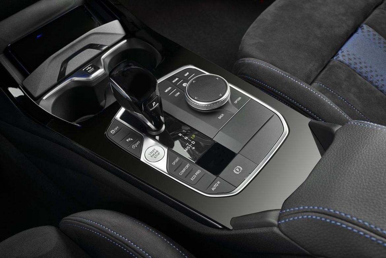 前驅、四驅1系列參見 BMW New 1 Series登場