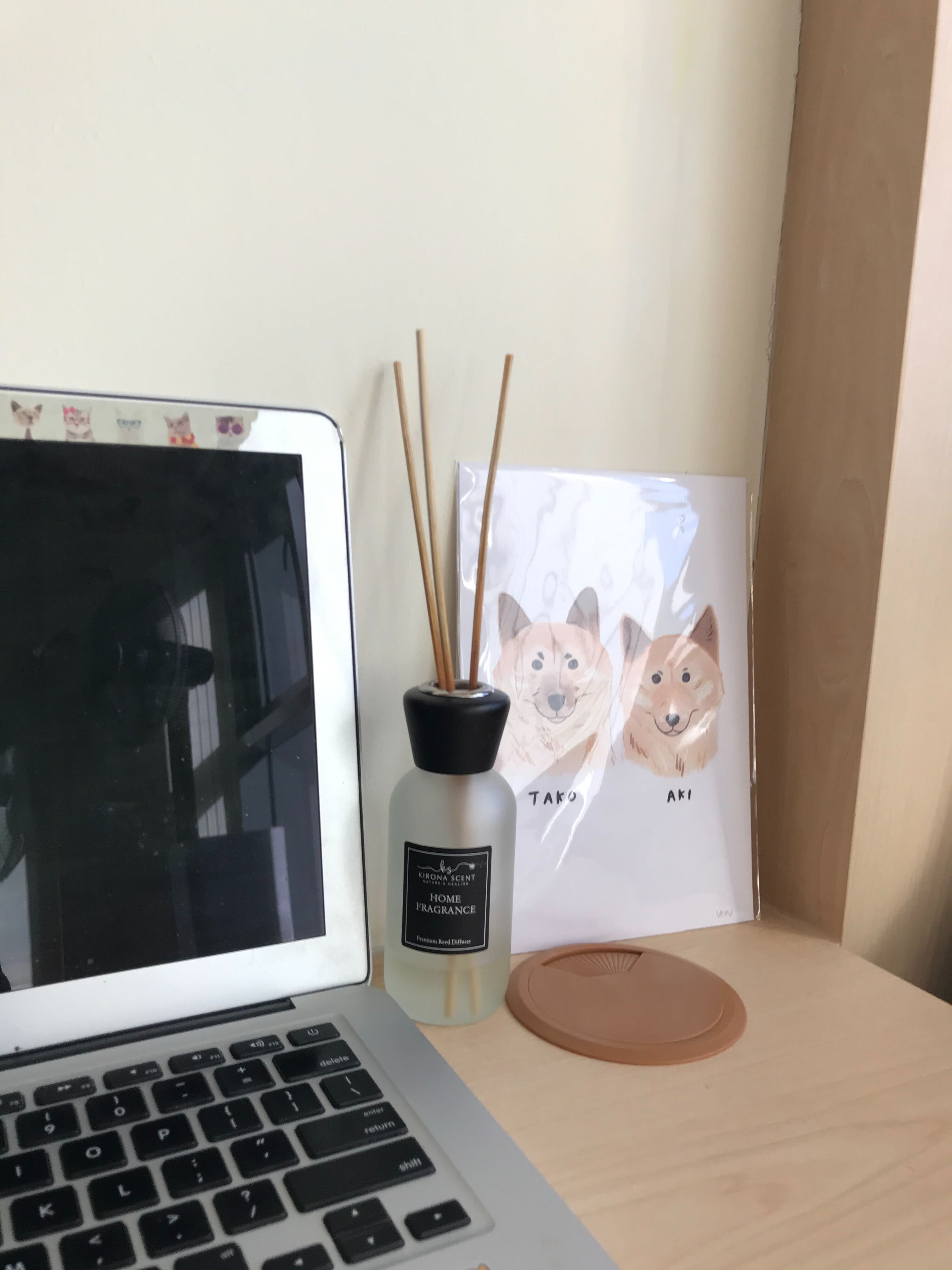 keeping workstation at home looking good with help of Carousell