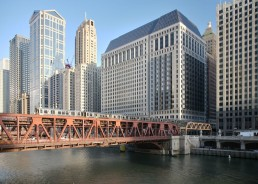 222 n lasalle wells st bridge