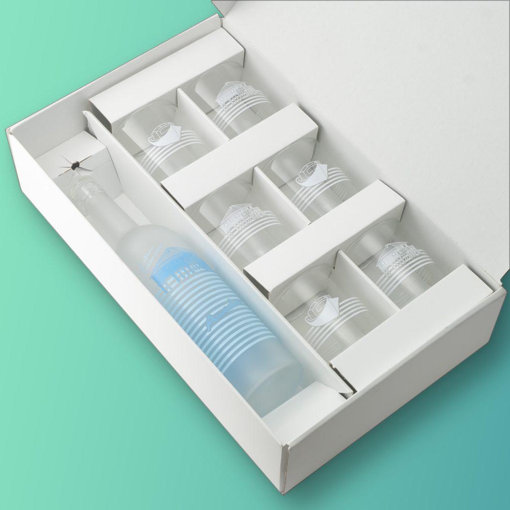 Partagez l'eau du bassin! Bouteilles d'Eauteur vous propose ce magnifique coffret de 6 verres et une carafe, prêt à offrir !