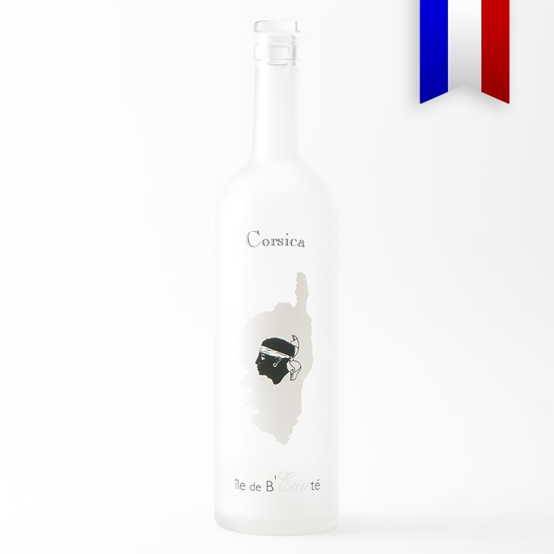 Une carafe satinée personnalisée en hommage de à l'île de Beauté et son «A bandera Corsa». Bouteilles D'eauteur aime mettre nos plus belles régions à l'honneur.