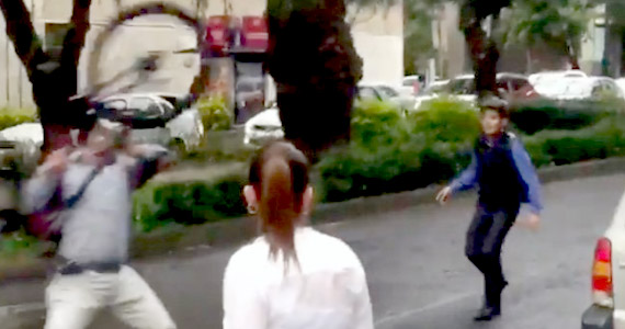 Denuncia: chico en bicicleta atropellado e insultado