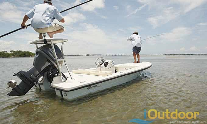 Fly Fishing in New Smyrna in Maverick boat