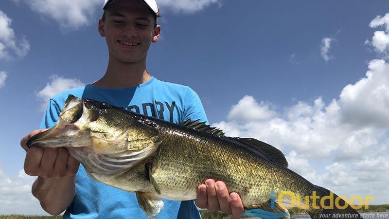 Summer Trophy Bass Fishing