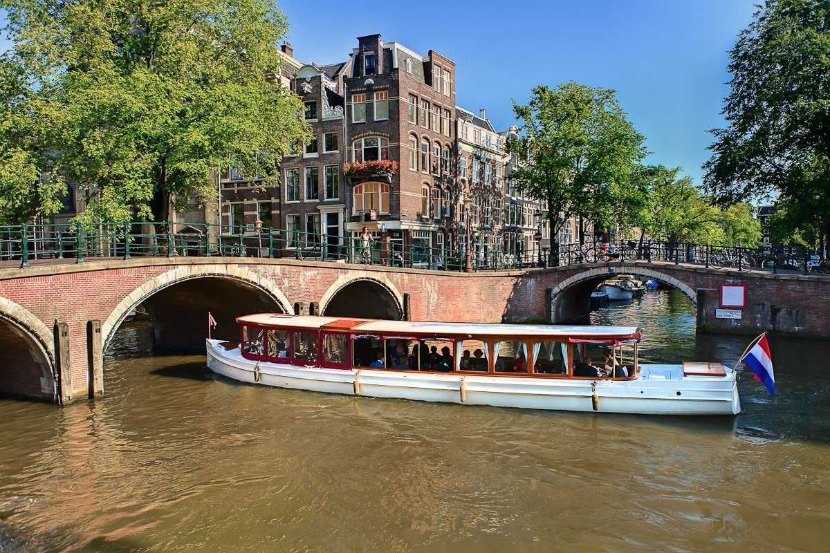 Mobile Movers & Shakers Canal Tour: Amsterdam