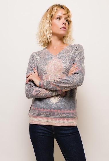 Shiny printed sweater