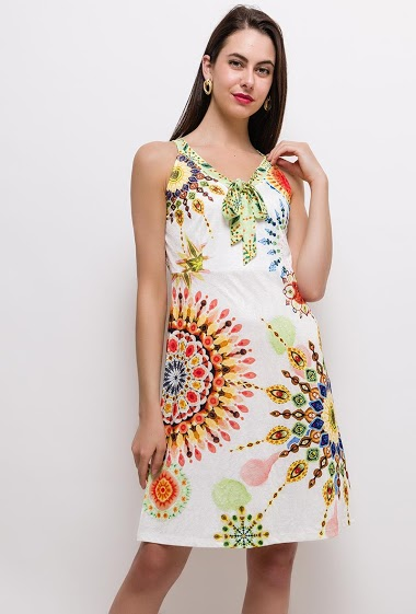 The model measures 175cm and wears S/M. Length:95cm