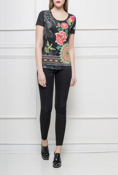 T-shirt en suédine imprimée et ornée de strass, manches courtes